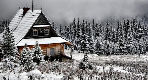 Seconda casa sulle Alpi: affittarla e trarre qualche vantaggio